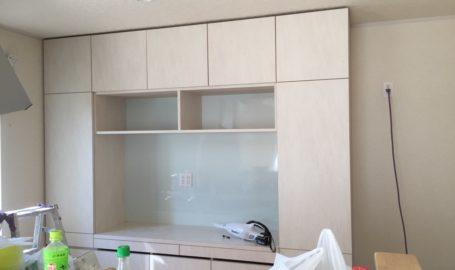 矢口様邸キッチンの食器棚製作